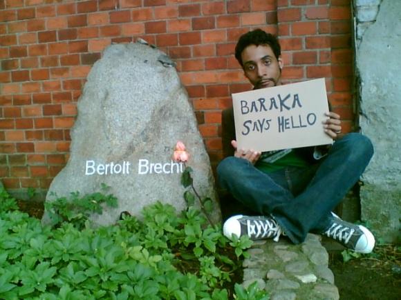 The author at Brecht's grave, Berlin, 2006 [Nina Fleck]